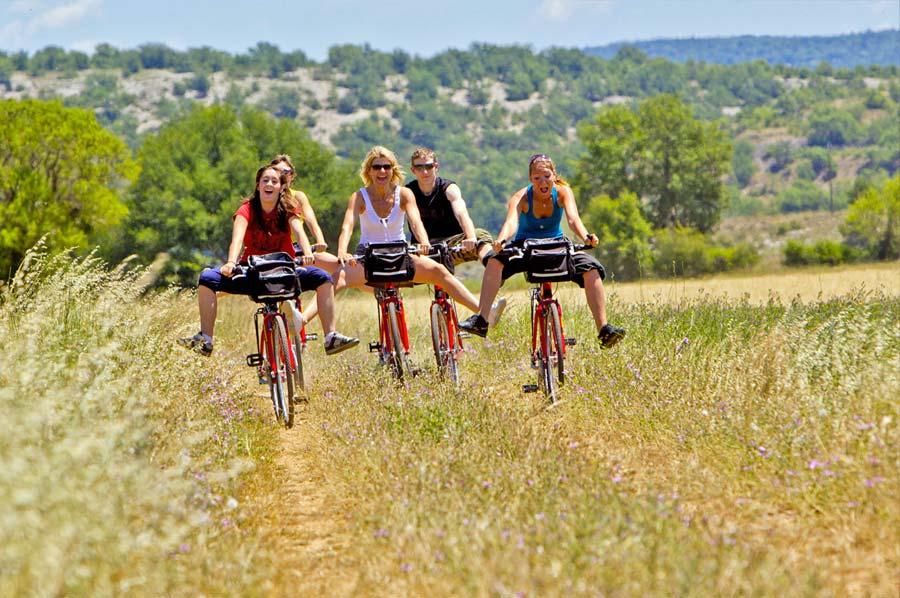 Le Guide été de La Provence illustré par nos photos (Mir Photo)